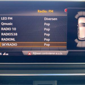 Audi A4 parkeersensoren achter en voor op beeld