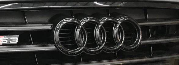 Audi logo Zwart voorbumper origineel Audi